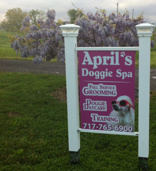 Aprils Doggie Spa Sign